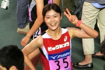 岡田久美子優勝後のピース